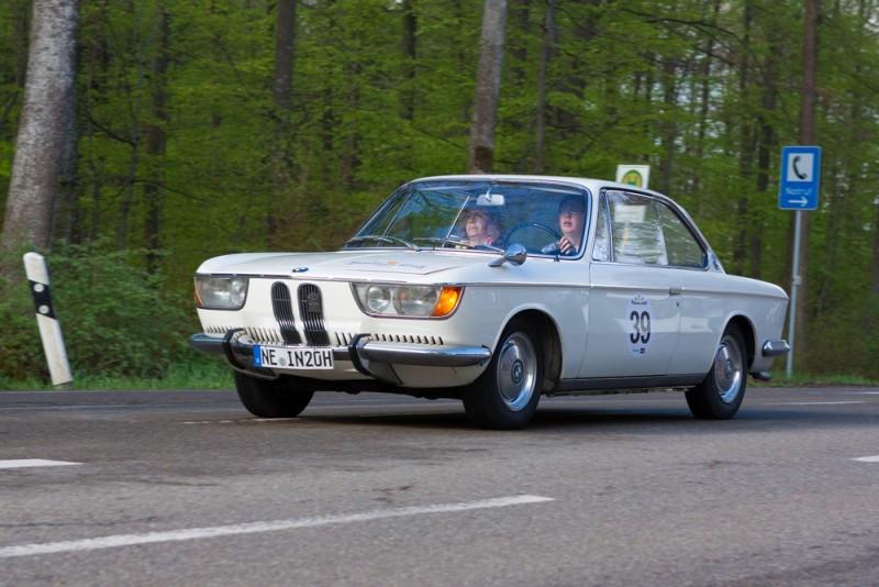 Gammel kærlighed ruster ikke – BMW 2000 er stadig fræk og bedårende